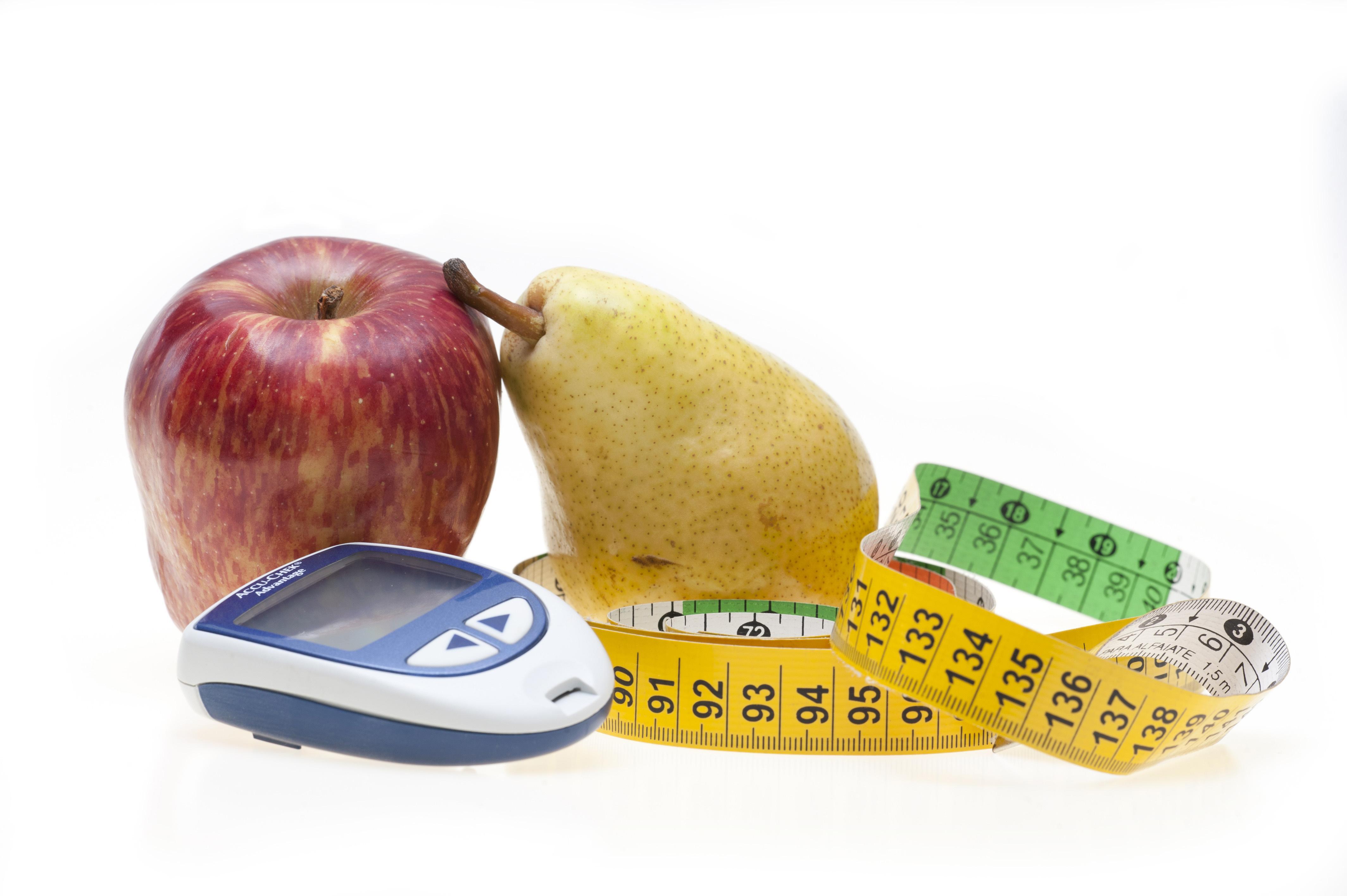 Ngoài chỉ số đường huyết và chỉ số HbA1c người bệnh cũng cần theo dõi thêm huyết áp, chỉ số BMI cơ thể, cholesterol, triglycerid máu, creatinin thận,…